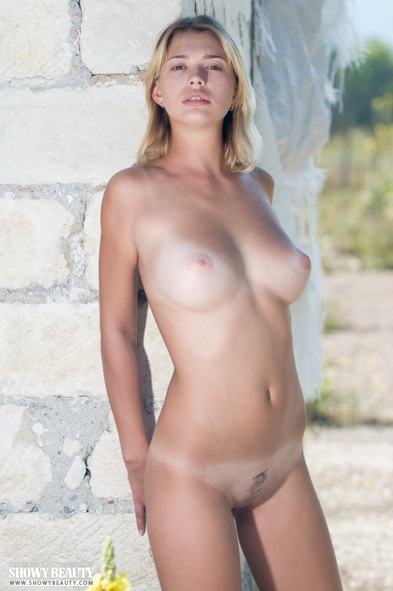topless-girls-gallery-russia