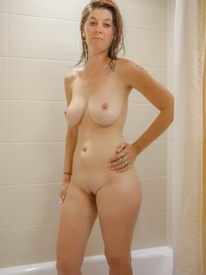 Ashlynn In The Shower