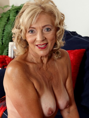 65 year old housewife kamilla putting on a very hot