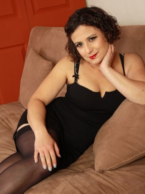 36 year old elegant Anna P from AllOver30 looking hot in nylons