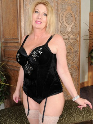 Hawt 53 year older Summer Sands slides off her slinky black underware