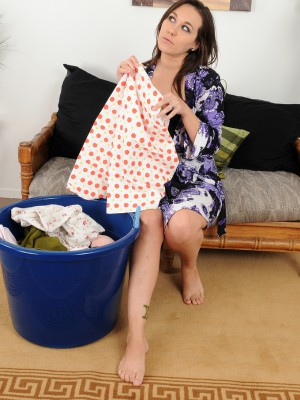 Hot 25 year older Sinn Sage takes a stripped crack following doing laundry
