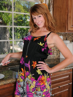 Beautiful thirty year old Sophia K receives by herself soddening damp into the kitchen