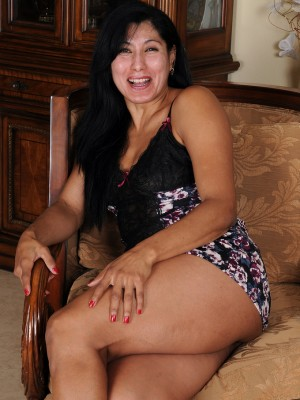 43 yr old Estrella Jane circulating the woman aged red the camera