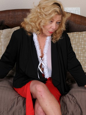 Blond 52 yr old Karen summertime slides from the woman work clothes