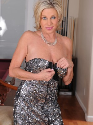 53 yr old Payton Hall slides far from her elegant dress just for you