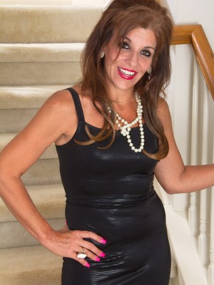 Super elegant Nicole Newby exposing the lady 49 year old body in the following