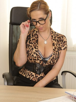 Hot Secretary Daria Glower takes dictation then flashes the woman big mounds