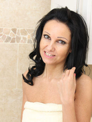 Adorable older Julie D gets all damp and soapy accessible as she luxuriates and plays in to the bath