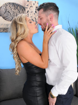 Nikki Capone deepthroats and rips up the lady fortunate man