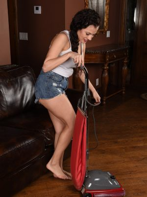 Spectacular Alejandra cleans up