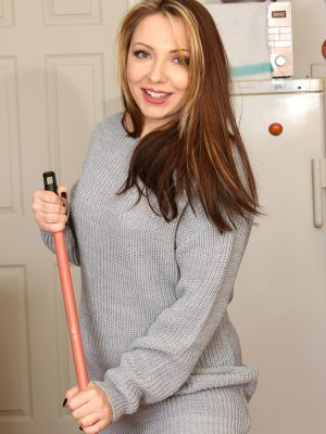 Crystal Coxxx doing a little bit of sexy housework