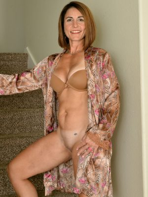 Carissa Dumonde Fit Mature Beauty