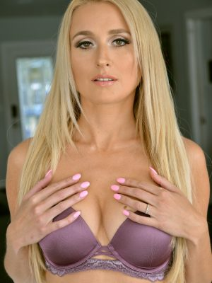 Misha Mynx Perfect Breasts