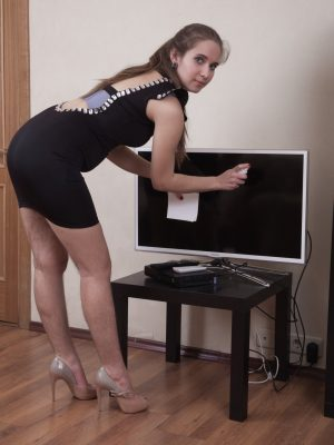 Sirena flaunts her brand-new black dress searching sexy