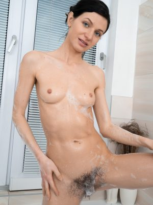 Efina takes a sexy bath and gets fucked in bed