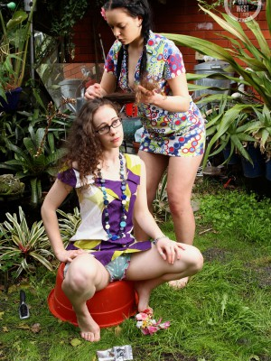 Frances and Rosie – Hippy Chicks