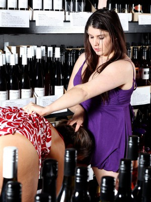 Adel & Miley – Wine Shop