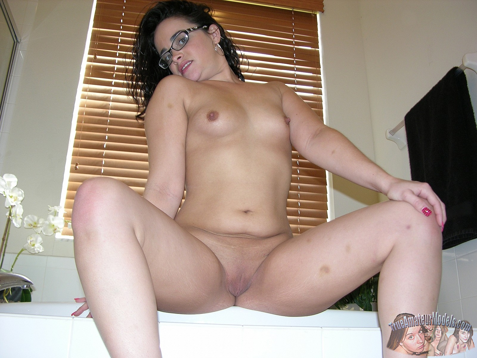 amateur sophie True nude model
