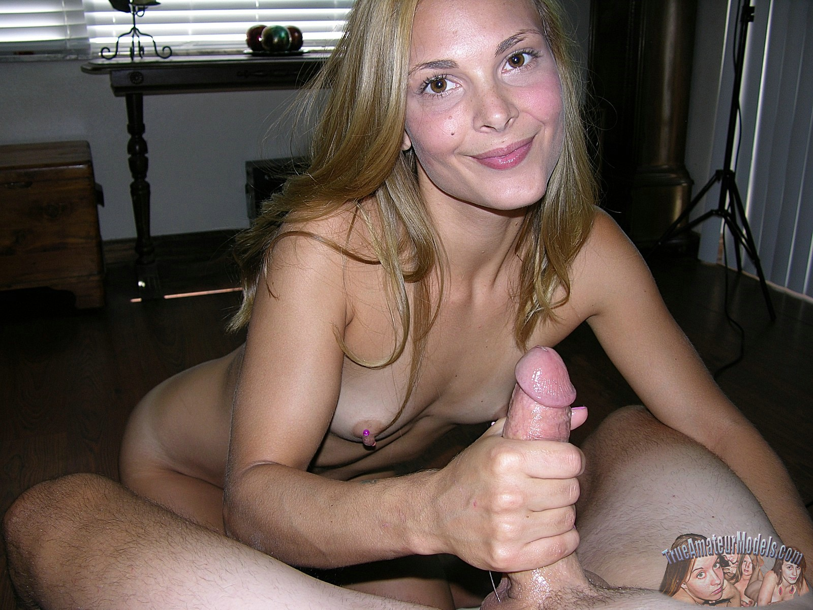 Amateur women giving handjobs
