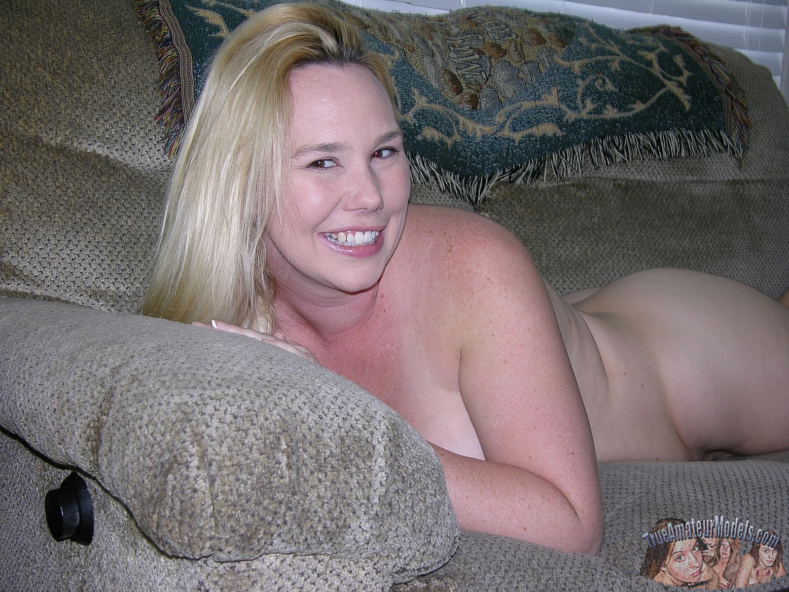 Very Amateur big breasted blondes naked