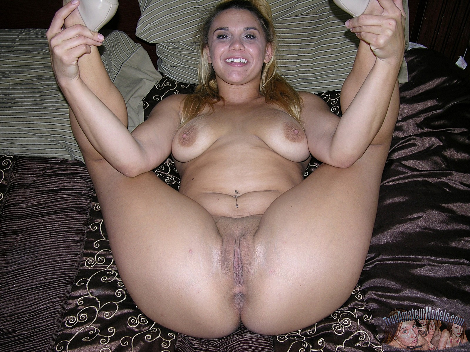 Amature nude latina