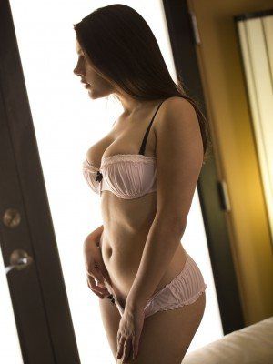 Valentina Nappi keeps her pants in her own very own mouth