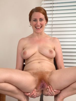 Amateur babe shows her skills on casting 1