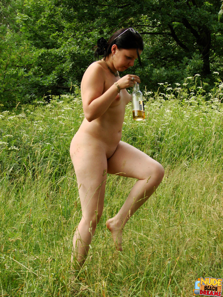 Naked Girl Strolling About The Beach Drinking A Cold Beer -9296
