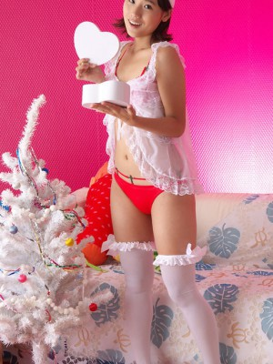 In red-white lingerie delays for santa