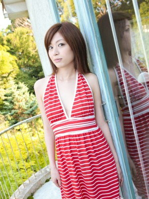 Runa Itou Oriental enjoys using clothes down and exposing hot human body