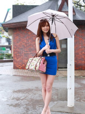 Natsuki Ikeda Oriental takes blue dress to relax and play in share