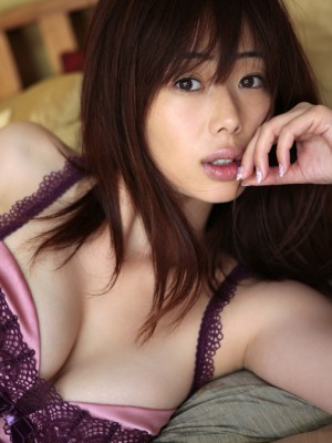 Waka Inoue Oriental exposes huge titties in horniest underware she has