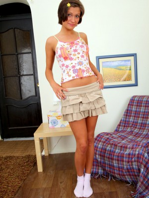 Short petticoat teenage girl likes gratifying herself a lot