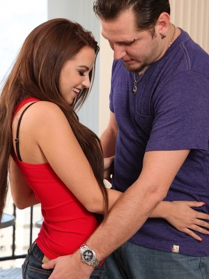 Pressley Carter gives her man an astonishing blowjob.