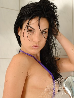 Czech hottie in the shower