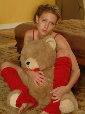 Gymnastic pussy stretching legal age teenager