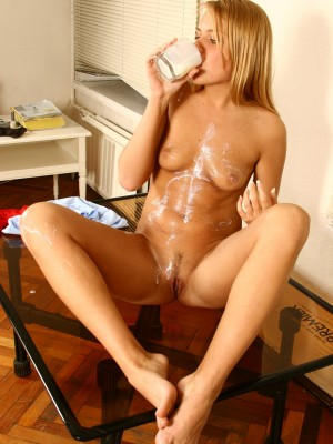 Sweet golden-haired smothers jummy beaver with milk