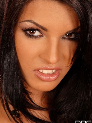 Hungarian Hottie With Golden Vibe