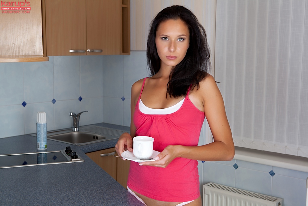 july-saint-strips-butt-naked-over-her-morning-coffee-1