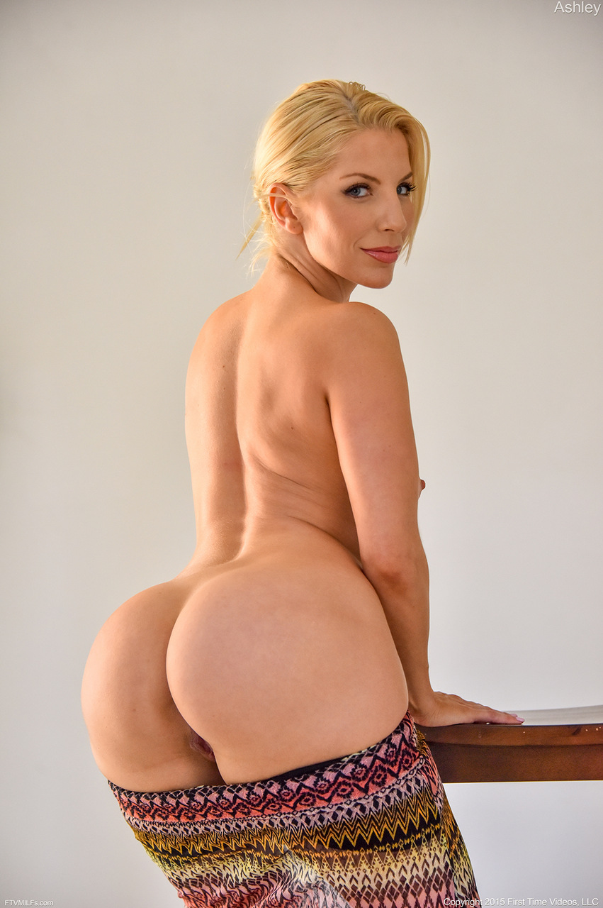 Hot busty blonde mature cougar brittany o039neil